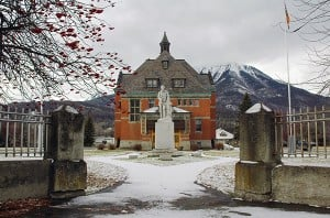 Fernie Courthouse and Cenotaph